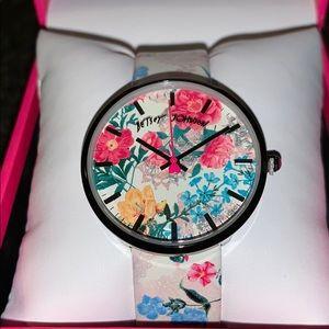 ❤️Betsey Johnson❤️ Floral Wristwatch ❤️